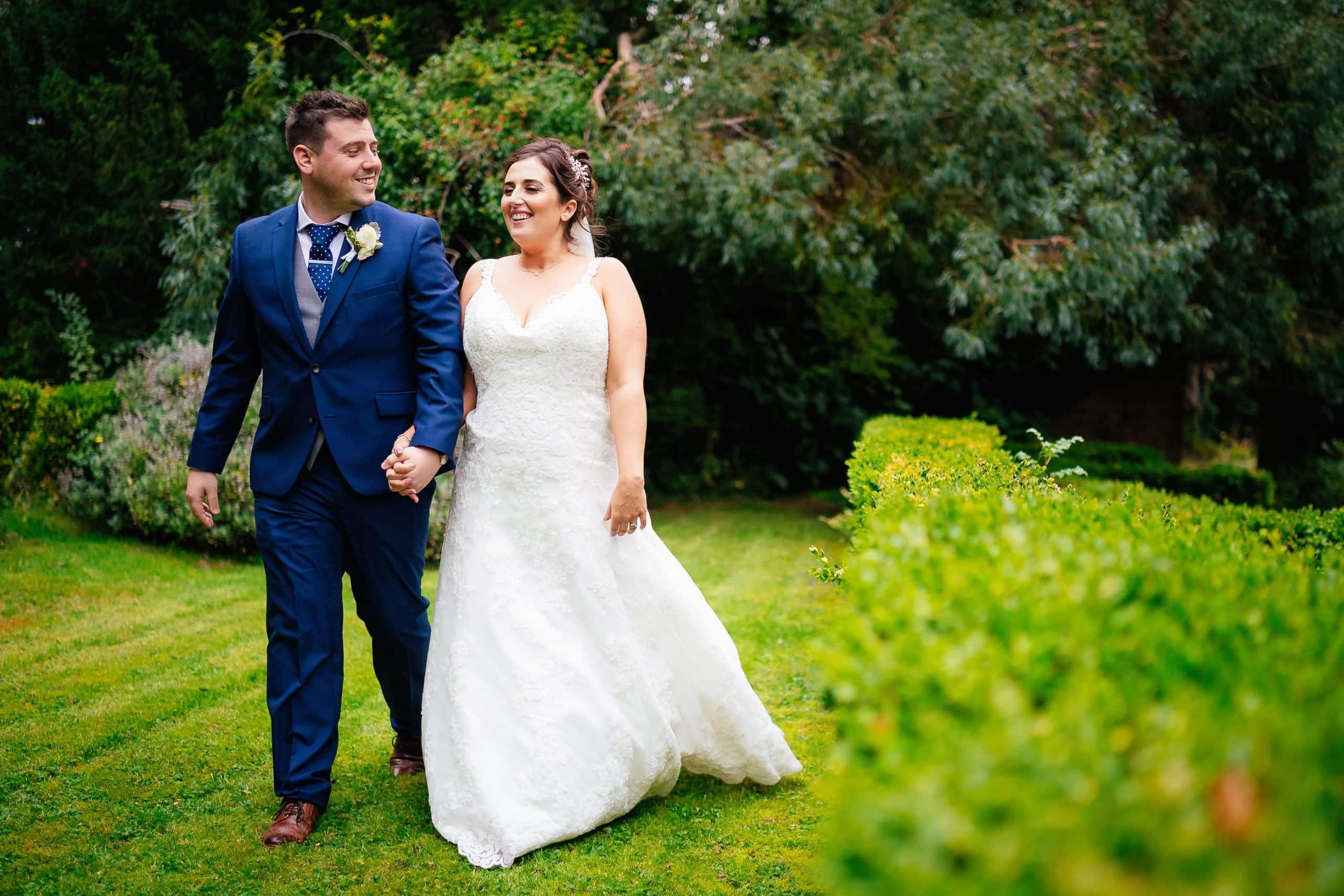 Tros-Yr-Afon-Wedding-Photographer-029